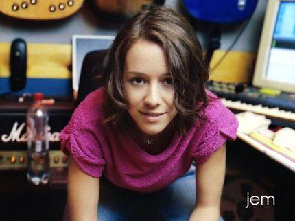 Jem - Jemma Gwynne Griffiths, more: http://www.jem-music.net/