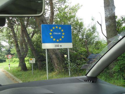 До Италии всего двести метров